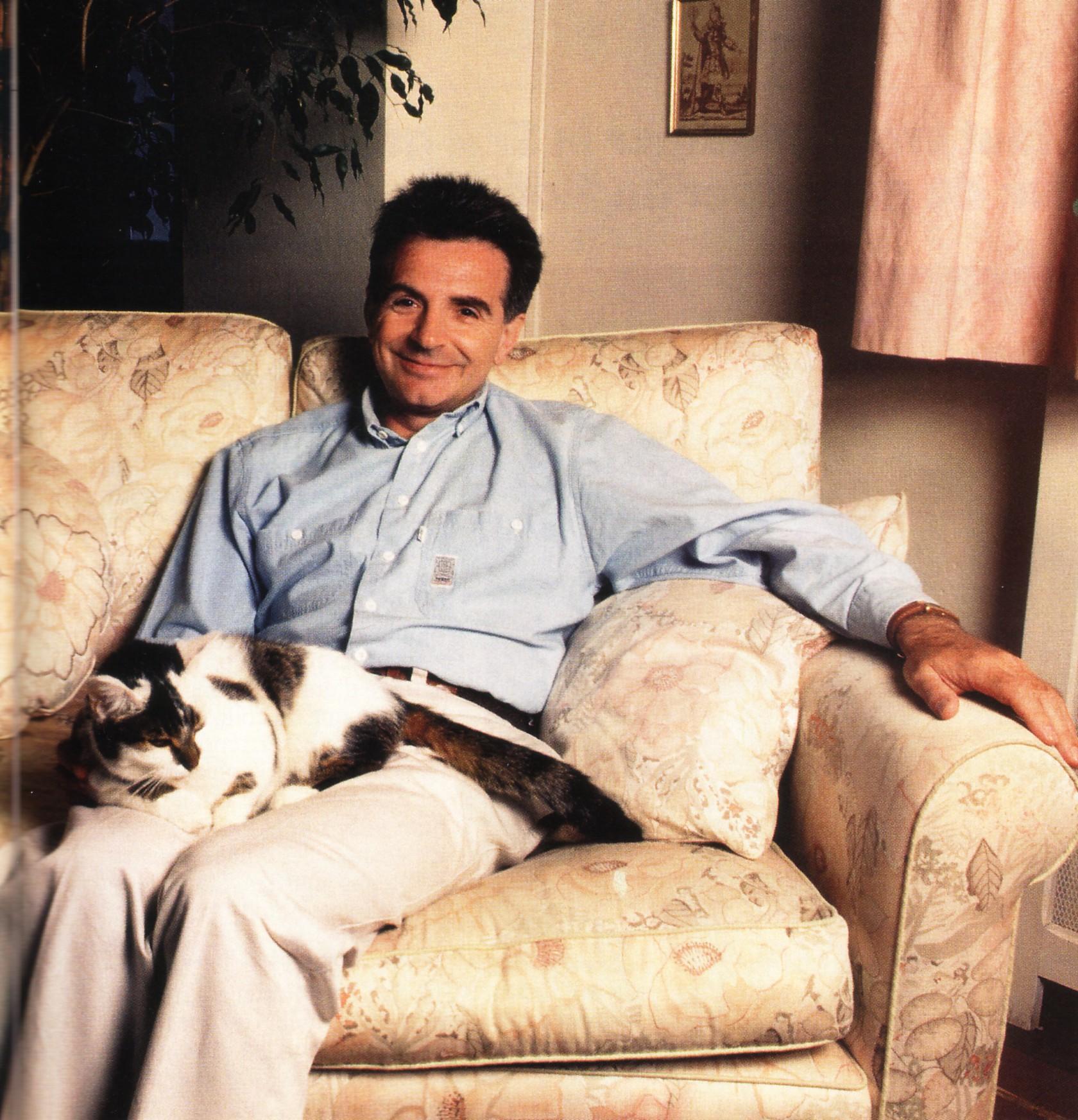 Gérard Rinali et le chat Clémentine